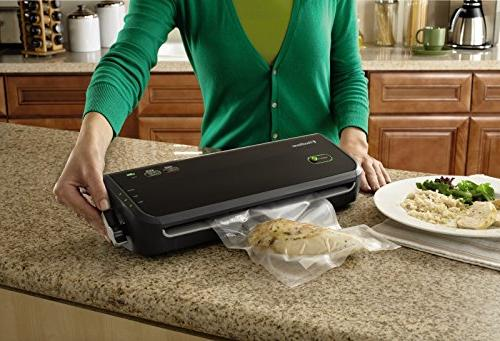 FoodSaver FM2000-000 Vacuum Sealing Set